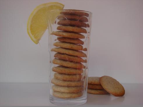 עוגיות לימון ופלפל שחור ראשית